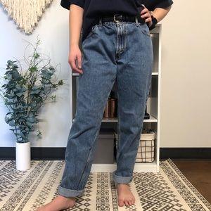 VINTAGE Levi's 555 High-Waisted Mom Jeans